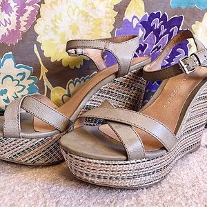LC Lauren Conrad Platform Wedge Sandals